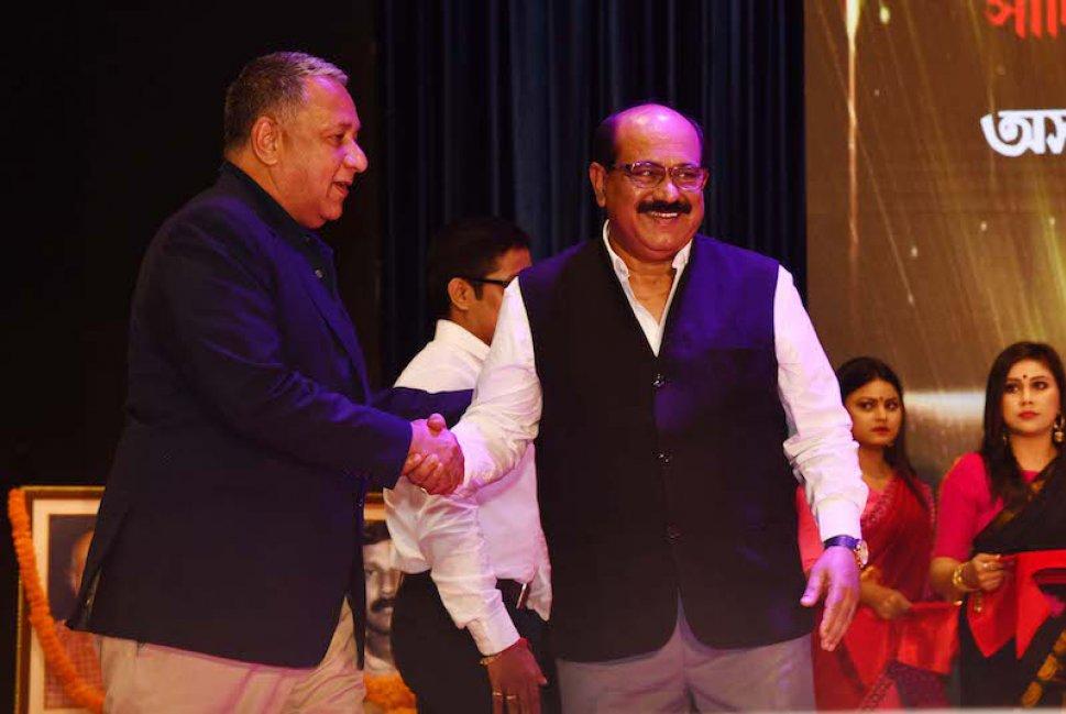 Ranjit Barthakur with Jayanta Baruah, Chairman, Pratidin Group
