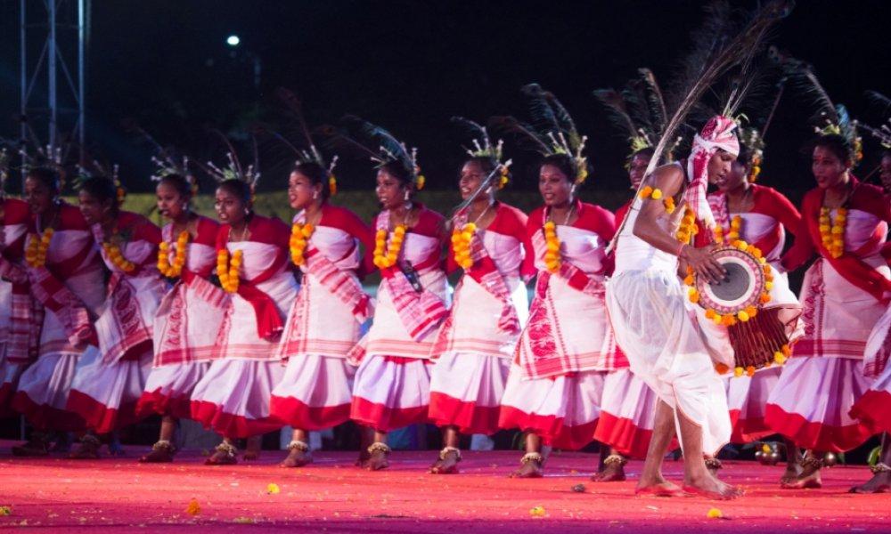 traditional Jhumoor in 'Samvaad'